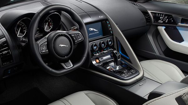 Technologies in the 2017 Jaguar F-Type